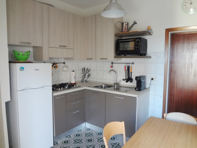 Piccolo appartamento ideale per il mare 4 posti letto agenzia immobiliare pratoranieri mare - Bagno oasi follonica ...